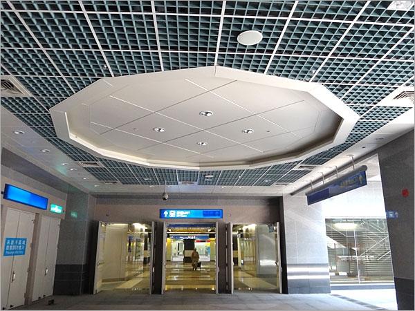 金属障板天花板,圆弧造型铝天花板,拱型梁天花板,流明铝格栅天花板,格